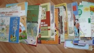Publicarea manualelor de către Editura Didactică şi Pedagogică, asumată de Guvern