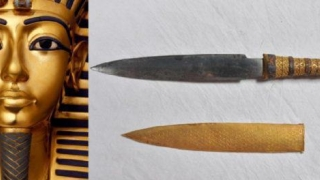 Pumnalul lui Tutankamon este confecționat dintr-un material extraterestru