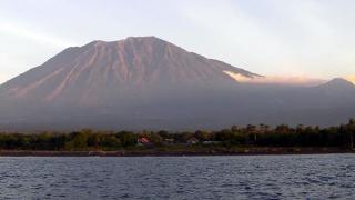 Puteţi vizita din nou Bali! Vulcanul Agung s-a răzgândit