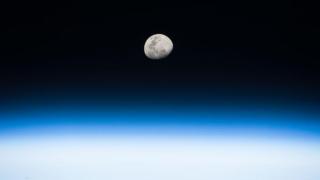 Răsărit de Lună văzut de pe Stația Spațială Internațională