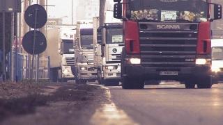 Transportatorii cer înghețarea tarifelor RCA