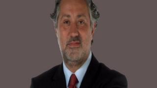 """Redactorul-șef de la ziarul turc de opoziție """"Cumhuriyet"""", arestat"""