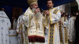 """""""Credincioșii dau salarii preoților, nu IPS Teodosie"""""""