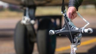 Țigările de contrabandă intră-n țară cu drona!
