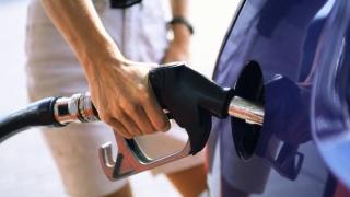 Creşte preţul carburanţilor. Motorina, mai scumpă decât în Spania sau Austria