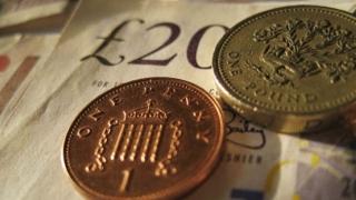 Lira sterlină a crescut pentru a doua zi consecutiv în raport cu dolarul