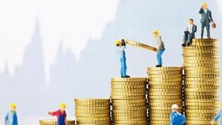 Creștere economică de top, scumpiri de top, deficit de top...
