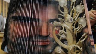 Artistul plastic Cristian Todie își prezintă geniala invenție la Constanța