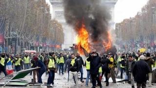 Criza ''vestelor galbene'' - Macron a scăpat lucrurile de sub control