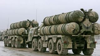 Rusia trimite pe mare primul transport cu sisteme de rachete către Iran