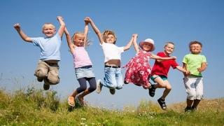 """""""Scopul educaţiei este să formeze copii fericiţi, mulţumiţi de viaţa lor"""""""