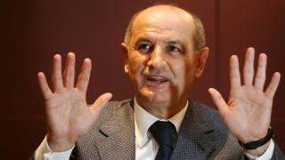 """""""Scriitorul"""" George Copos, urmărit penal pentru plagiat!"""
