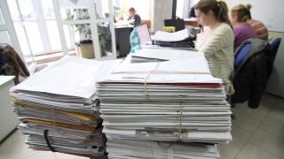 Sporuri mai mari pentru funcționarii care lucrează în condiții de risc