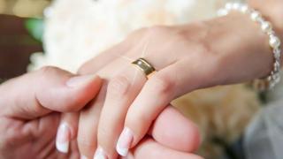Simbolistica verighetei. De ce se poartă pe degetul inelar?