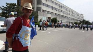 Sindicaliștii de la Petromidia au încheiat mitingul! Ce au obținut