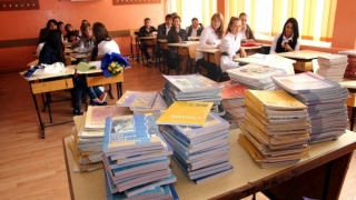 Educaţia spune NU manualelor şcolare unice!