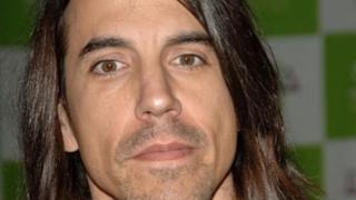 Solistul Red Hot Chili Peppers, de urgență la spital