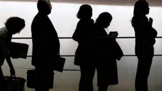 Şomerii vor primi indemnizaţiile cu 10 zile mai devreme