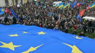 Statele membre, forţate de... împrejurările ruseşti să accepte Ucraina în UE?!