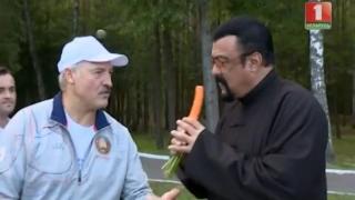 Steven Seagal a primit de la președintele Belarusului... un morcov și doi pepeni