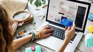 Shopping-ul offline, în magazine, pică spre 30% din total