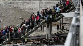 Suedia nu ştie cum să scape LEGAL de imigranţii ilegali
