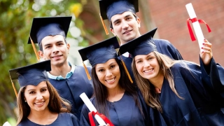 Suntem la coada UE! Doar 19% dintre salariații români au studii superioare!