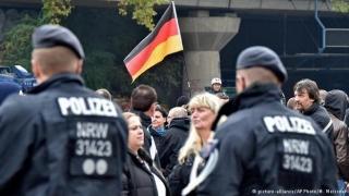 """""""Supraviețuirea celui mai puternic"""" i-a împiedicat pe poliţişti să apere femeile agresate la Koln"""