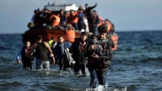 Sute de imigranți care încercau să ajungă în Europa, reținuți de Libia