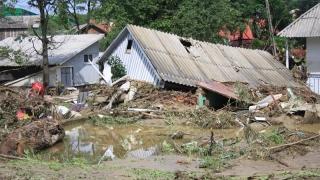 Sute de persoane salvate de autorități în timpul inundațiilor!