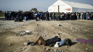Tabără de refugiați din Grecia, atacată