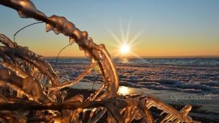 Tablou glacial pe litoral. Imagini spectaculoase!