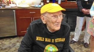 Un veteran american, student la 104 ani