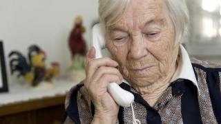 """""""Telefonul Vârstnicului"""" - linie gratuită pentru bătrâni"""