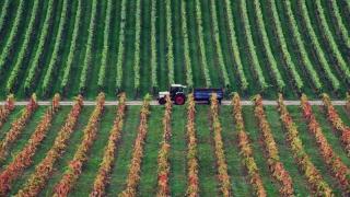 Terenurile agricole se vor da cu lingurița, nu cu lopata