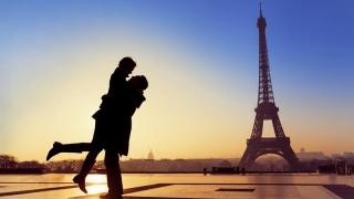 Tot mai mulți români pleacă în vacanță de Valentine's Day