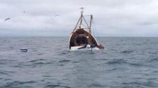 Traficanţi naufragiaţi arestaţi