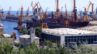 Traficul maritim în porturile constănțene a scăzut în primele 7 luni din 2016