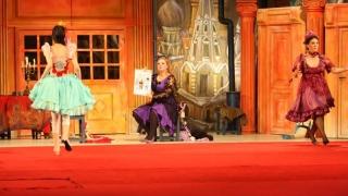 """""""Trei surori"""" și """"Menajeria de sticlă"""", la Teatrul de Stat"""