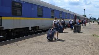 Trenuri la fiecare două ore spre Constanța