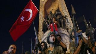 Turcia a fost împinsă înspre lovitura de stat într-un mod planificat şi programat