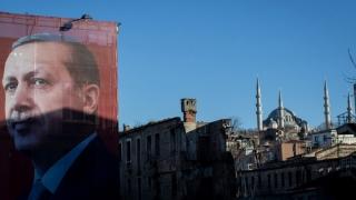 Turcia: Angajaţi la bănci, arestaţi în legătură cu tentativa de puci din 2016