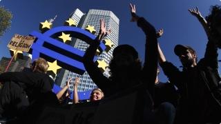 UE este paralizată de naţionalism, terorism şi crize economice