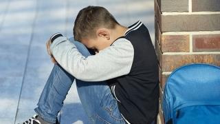 Statul îi condamnă pe copiii cu dizabilități la... supraviețuire!