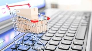 """Shopping-ul online a-nceput să prindă și la """"moșuleți"""""""