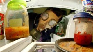 Cum să cureți frigiderul în doar câteva minute