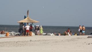 Cum să furi în 20 de secunde un rucsac de pe plajă?