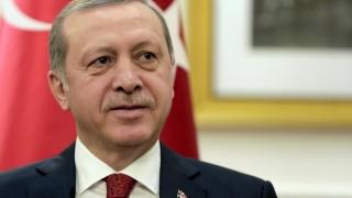 Un an de la puciul eşuat! Erdogan le vorbeşte tuturor turcilor la... telefon