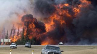 Uriașele incendii de vegetație din Canada readuc în discuție încălzirea globală