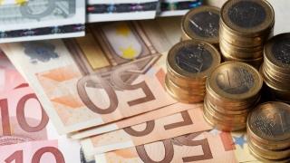 Cursul leu-euro stagnează. Aurul creşte la maximul ultimei luni